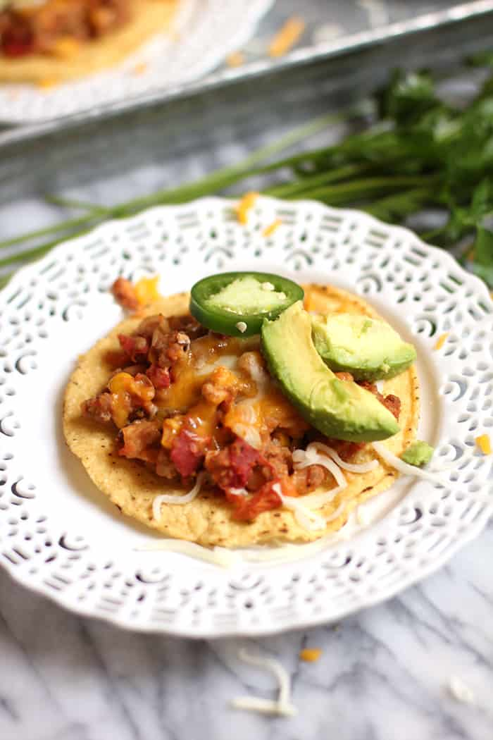 Ground Turkey and Bean Tostadas are a perfect weeknight meal. Lean ground turkey, cannelloni beans, fire-roasted diced tomatoes, and corn - all on tostadas! | suebeehomemaker.com