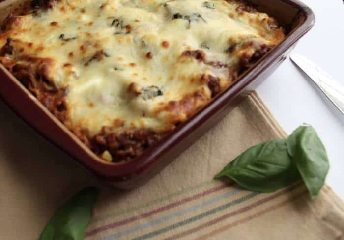 Hearty Lasagna -- a meaty, cheesy lasagna perfect for big appetites! | suebeehomemaker.com