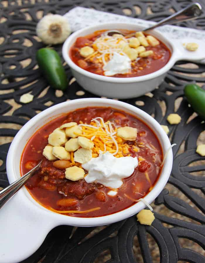Easy Slow Cooker Chili -- a hearty spicy soup with lean proteins, beans, and tomatoes, and slow cooked to perfection! | suebeehomemaker.com