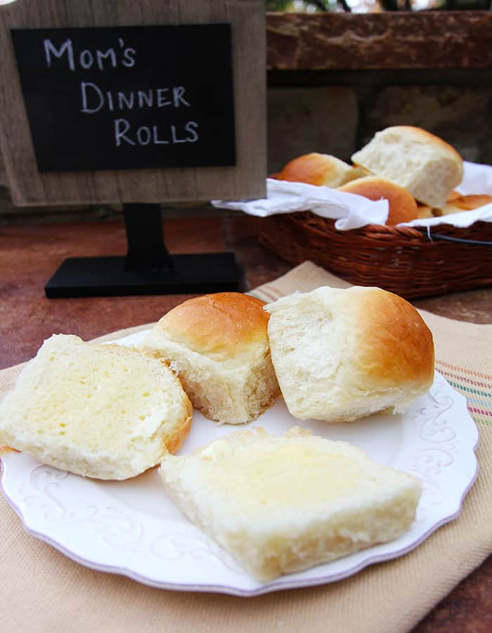 Mom's Dinner Rolls - soft and fluffy dinner rolls that make the perfect accompaniment to special meals! | suebeehomemaker.com