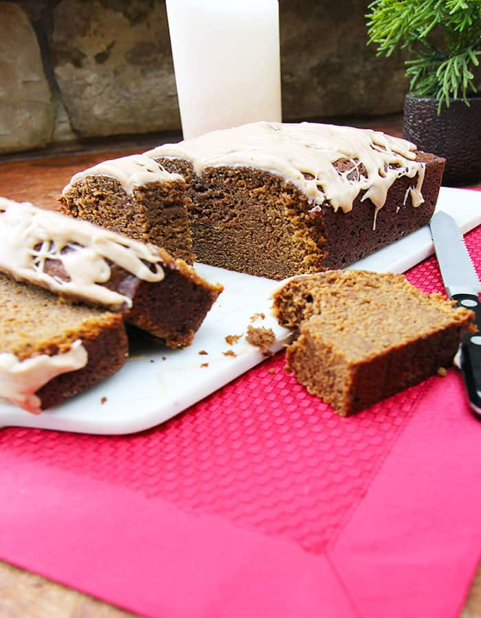 Spiced Gingerbread Loaf -- a slightly sweet, tender gingerbread loaf with a deep molasses flavor and plenty of spices! | suebeehomemaker.com