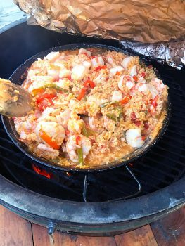 Shrimp and Scallops Paella -- a Spanish inspired rice dish made with tomatoes, peppers, onions, and plenty of shrimp and scallops! | suebeehomemaker.com
