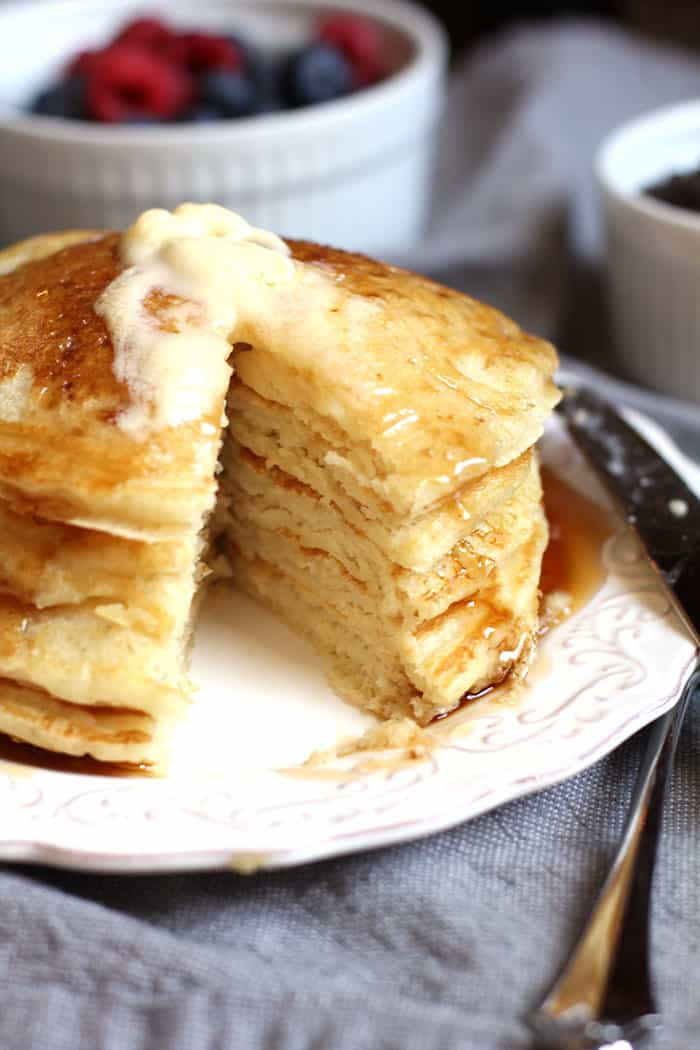 Classic Buttermilk Pancakes -- classic fluffy pancakes made with buttermilk and a touch of vanilla! | suebeehomemaker.com