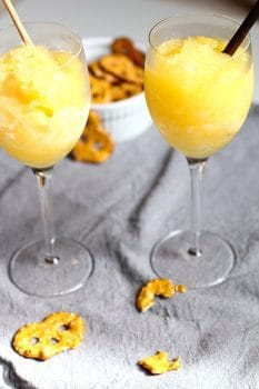 Green Tea Vodka Slush -- an adult frozen cocktail that is sweet with a hint of green tea. Serve it with Sprite and enjoy with friends or family! | suebeehomemaker.com
