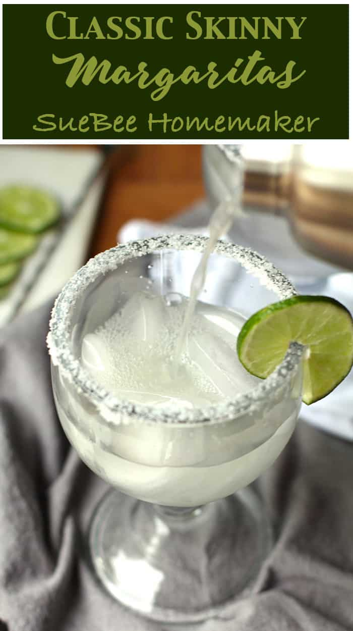Classic Skinny Margaritas combining a good tequila, triple sec, fresh lime juice, and plenty of ice. Skip the simple syrup to make these skinny! | suebeehomemaker.com | #classicmargaritas #skinnymargaritas #margaritas #ontherocks #cocktails