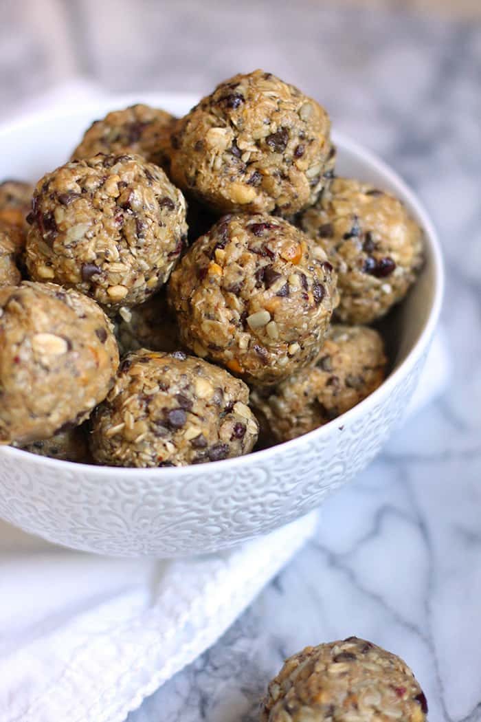 Peanut Butter Power Balls are the perfect energy snack, for when you are short on time but need something to get you moving. Easy, filling, and delicious! | suebeehomemaker.com