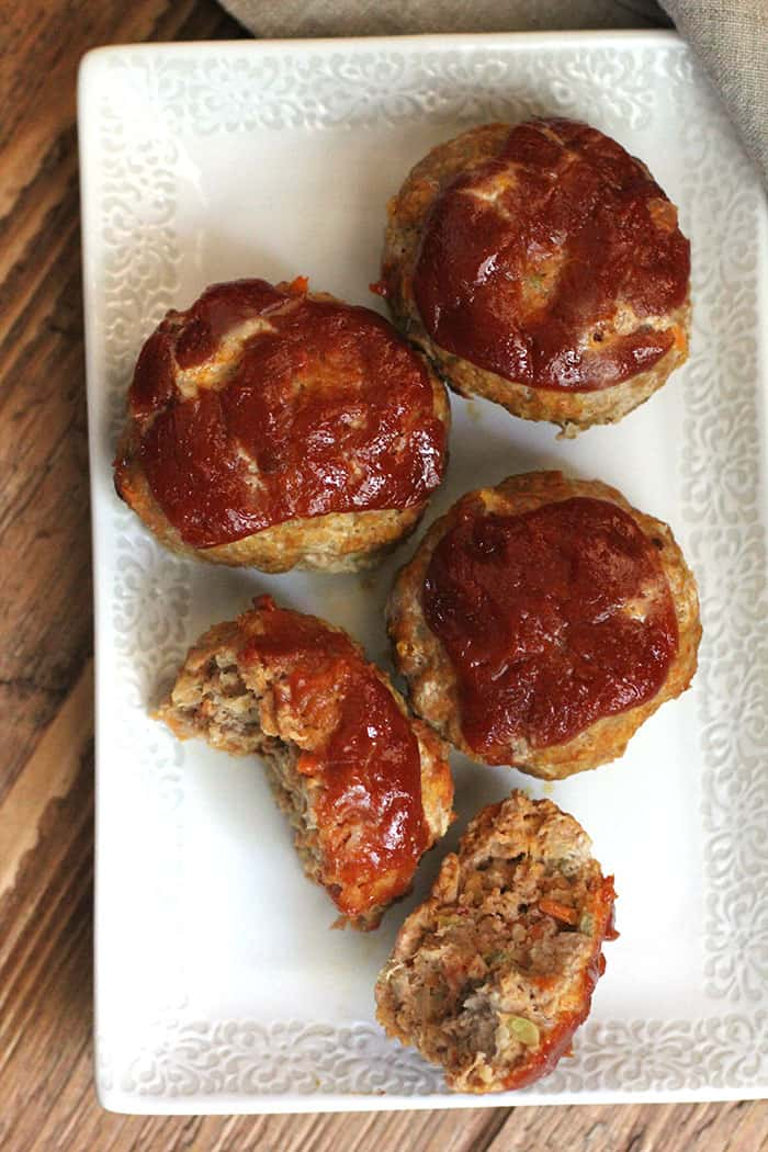 Baking these Turkey Meatloaf Muffins in jumbo sized muffin tins removes the guesswork as these bake in only 20 minutes. A perfect weeknight meal! | suebeehomemaker.com