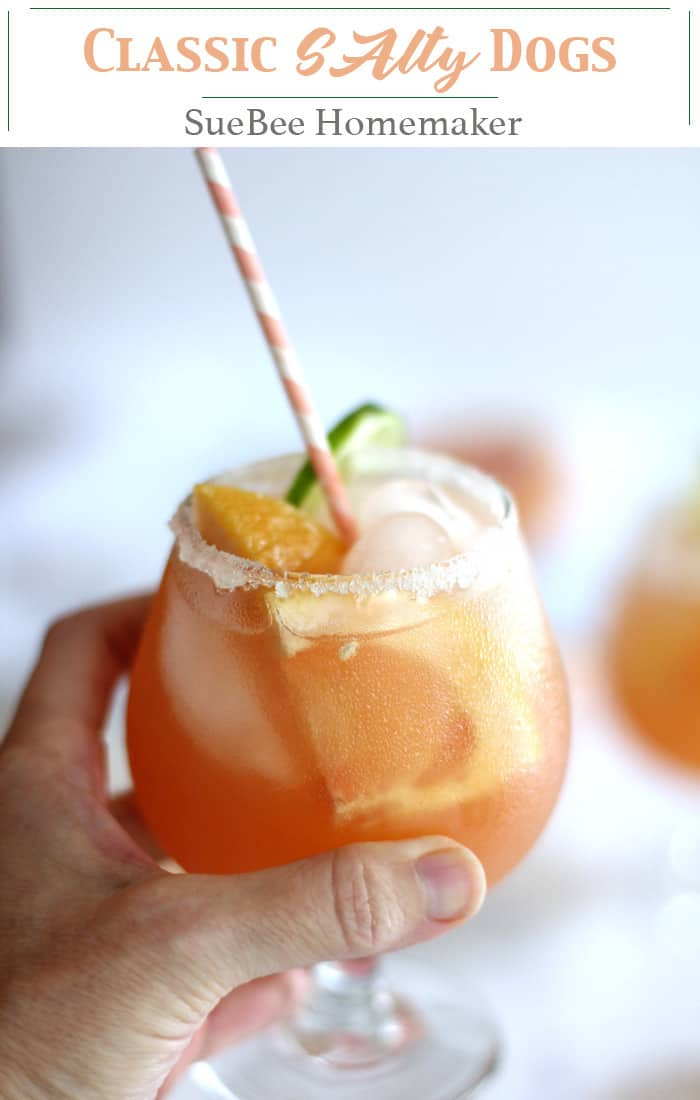 Classic Salty Dogs combine freshly squeezed grapefruit, good quality vodka, along with a nice salt rimmed glass. Super tasty and refreshing, with no added sugar! | suebeehomemaker | #classicsaltydogs #saltydogs #grapefuitjuice #vodka #cocktails