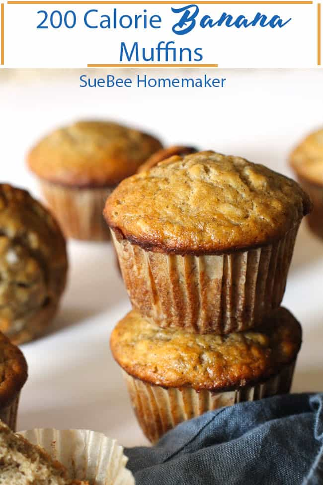 200 Calorie Banana Muffins coming at you with the simplest of ingredients, and all the taste. Made in two bowls, these are super easy to whip together, and make the best breakfast or snack! | suebeehomemaker.com | #bananamuffins #200caloriemuffins #easybananamuffins #200calorie