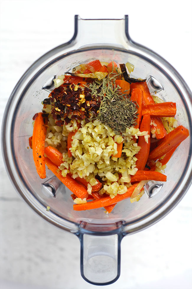 The roasted veggies and spices in a blender.