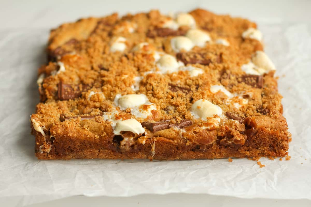 Side shot of the baked s'more cookie bars.