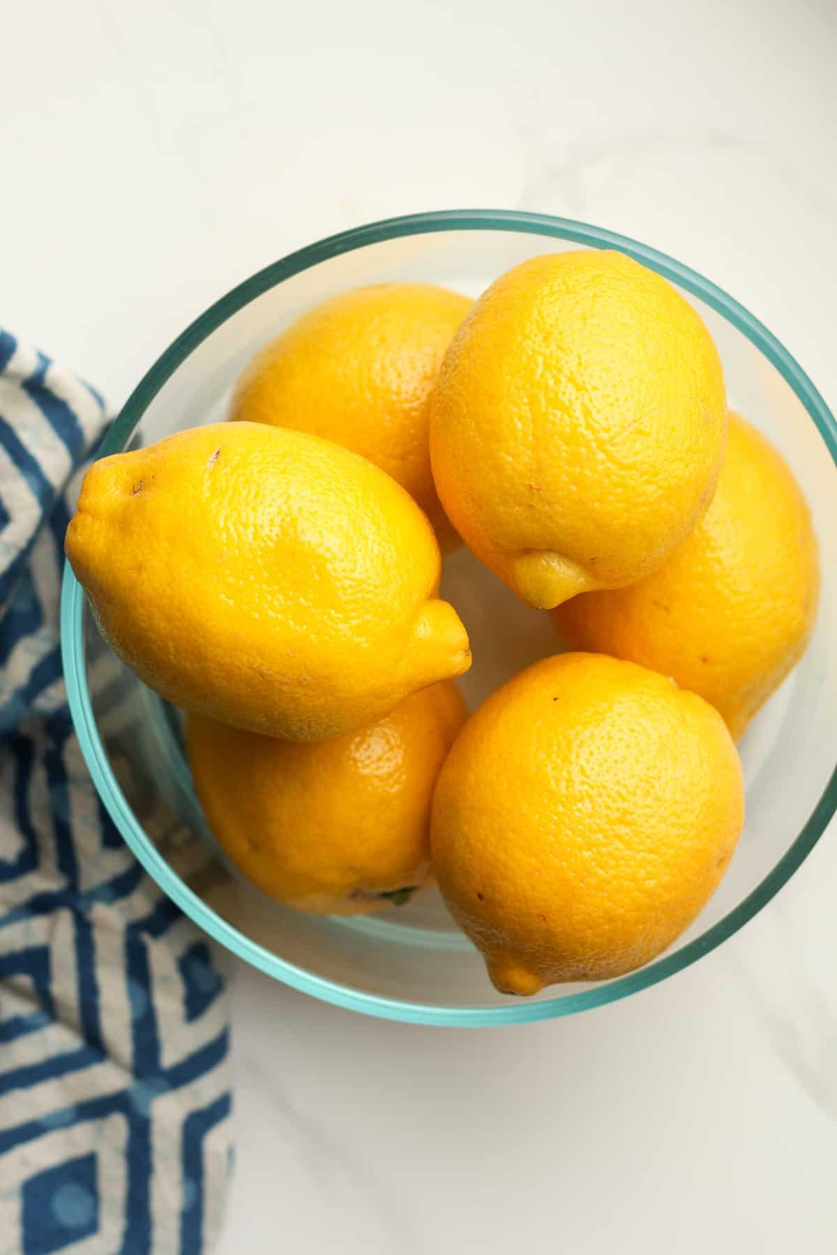 A bowl of lemons.