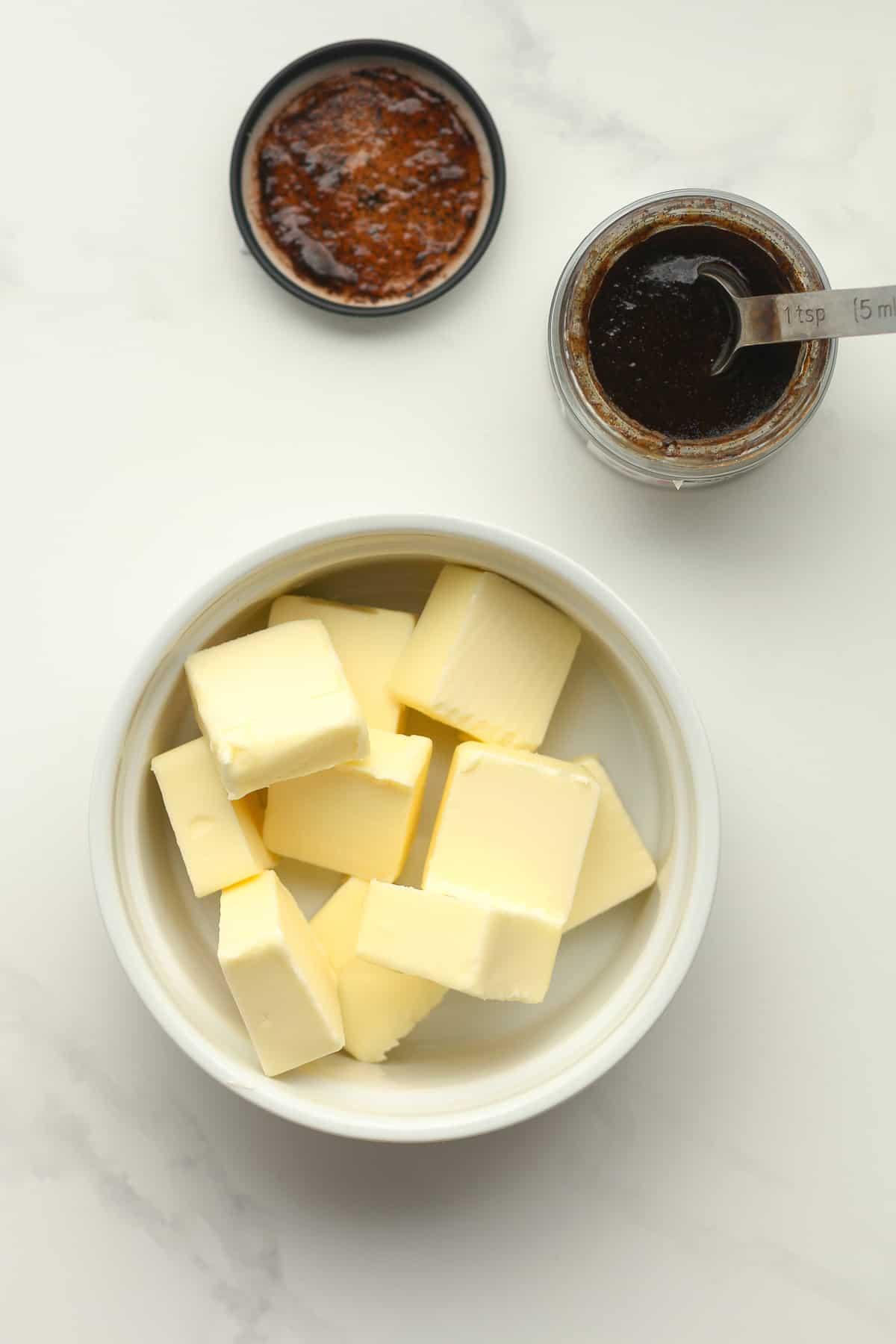 The butter plus vanilla paste.