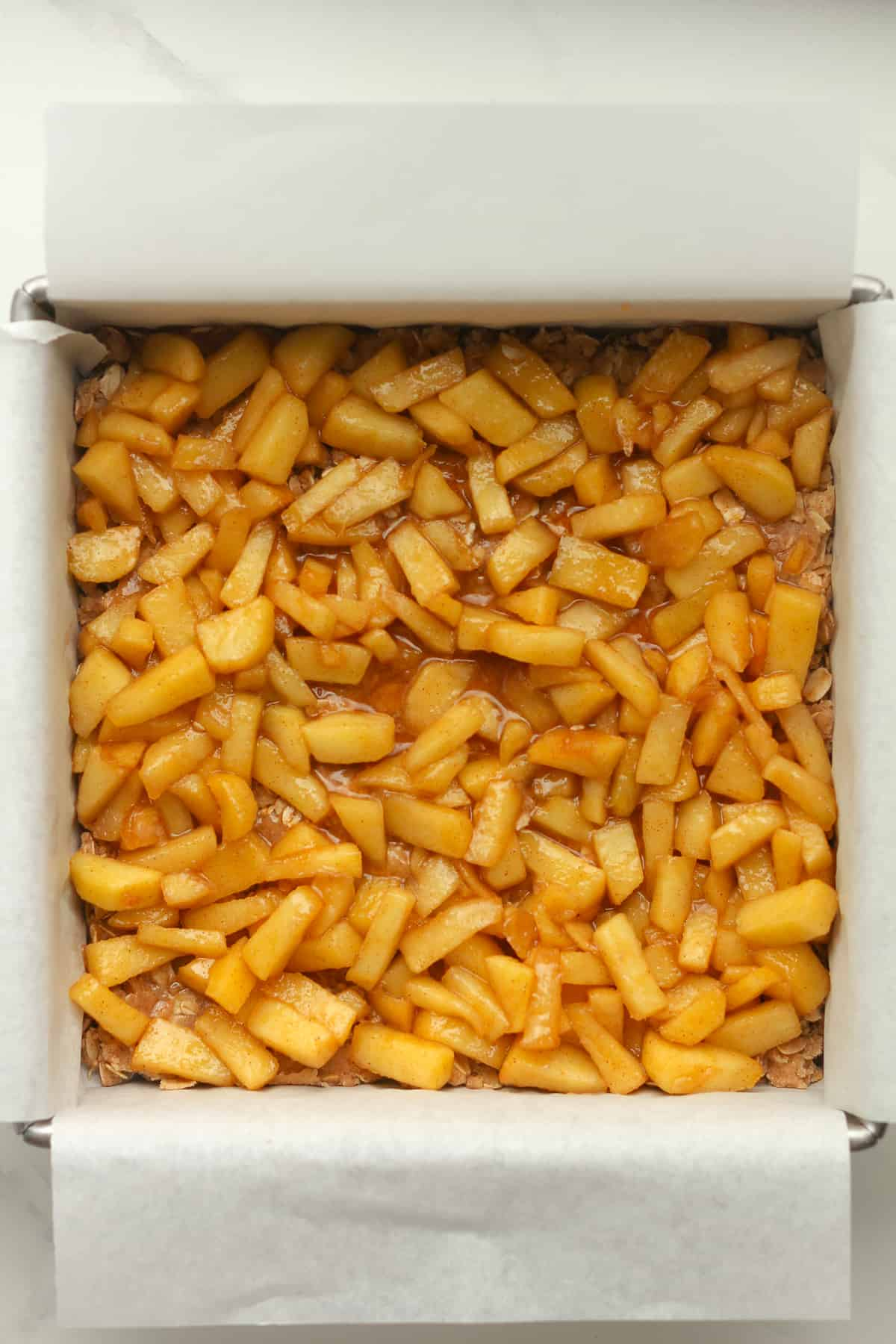 A pan of the apple layer.