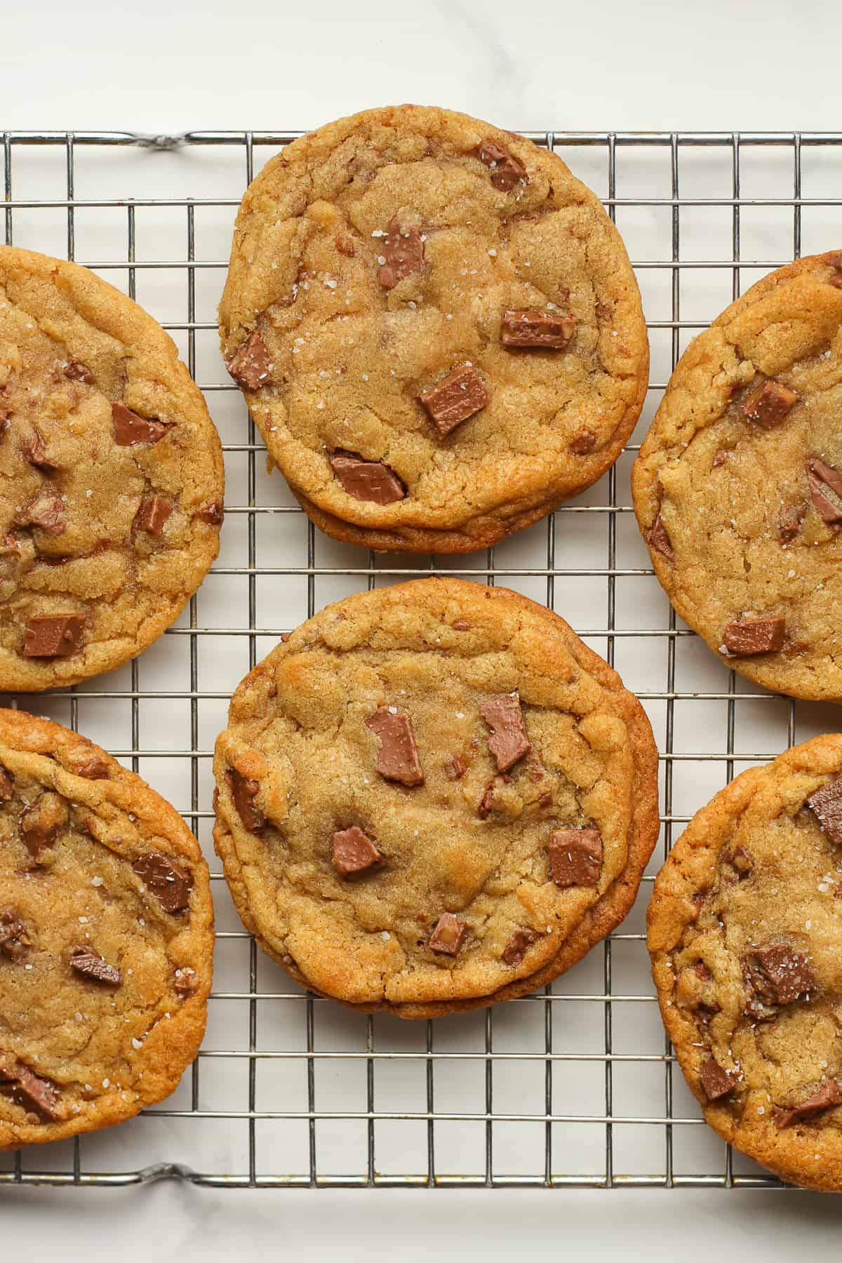 A rack of toffee brown butter cookies.