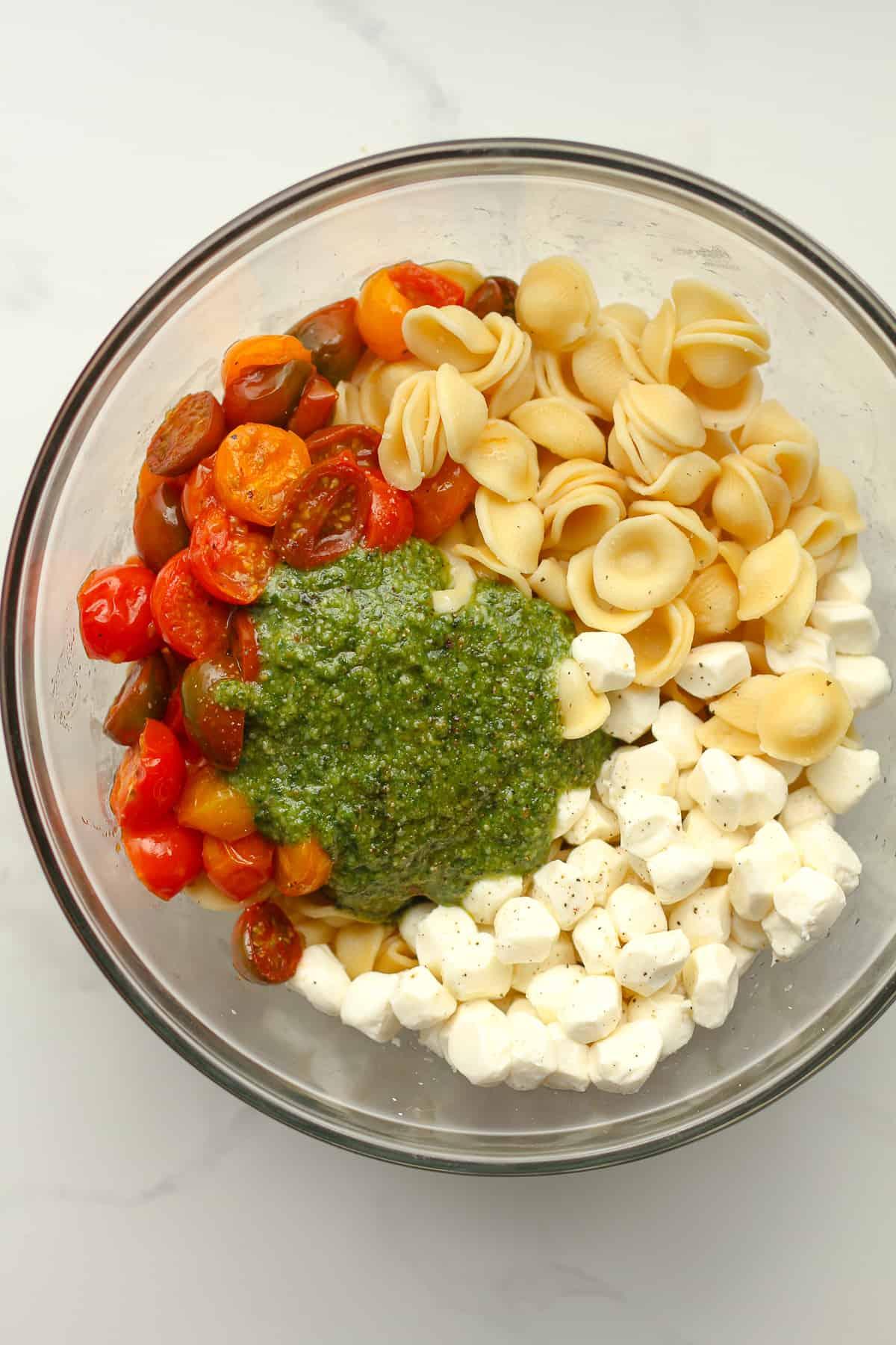 The bowl of ingredients separated by ingredient.