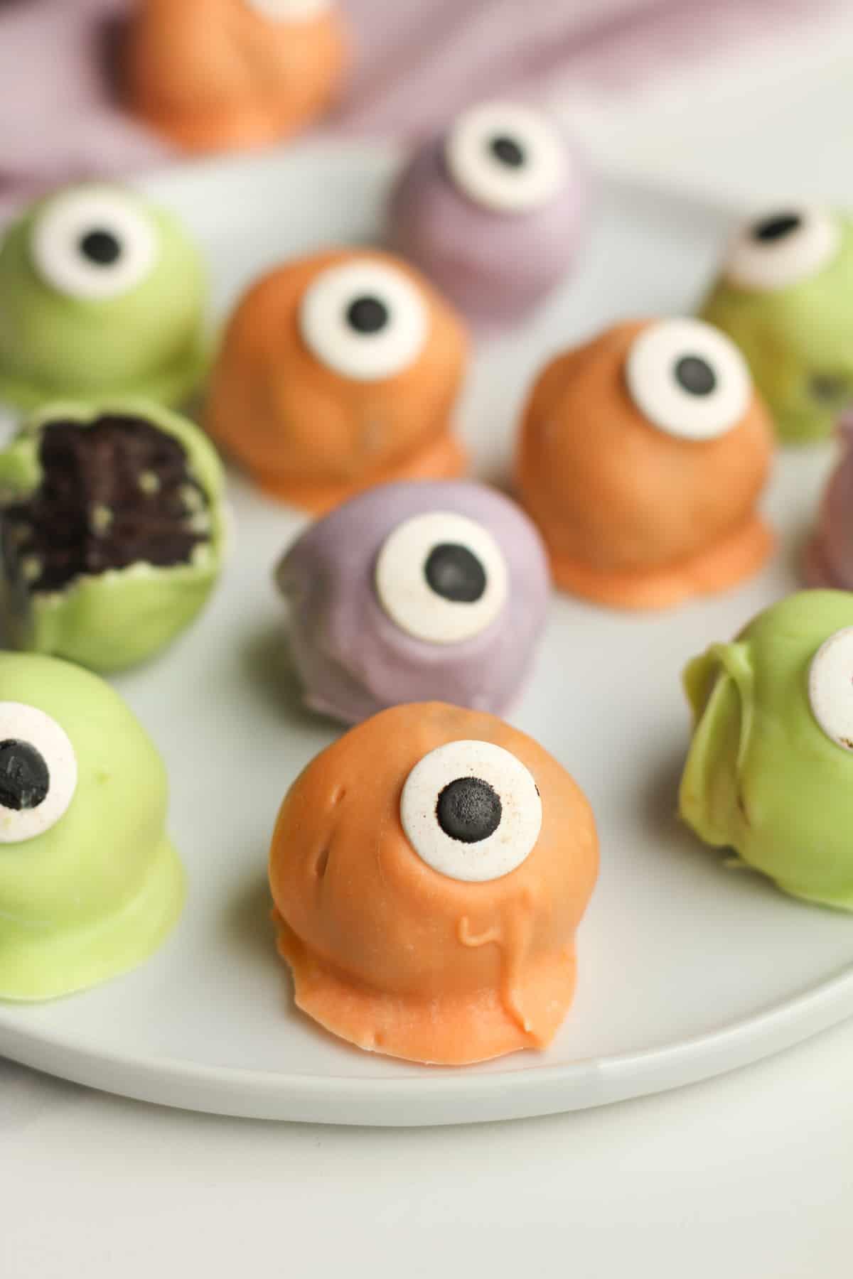Oreo Cookie Eyeballs