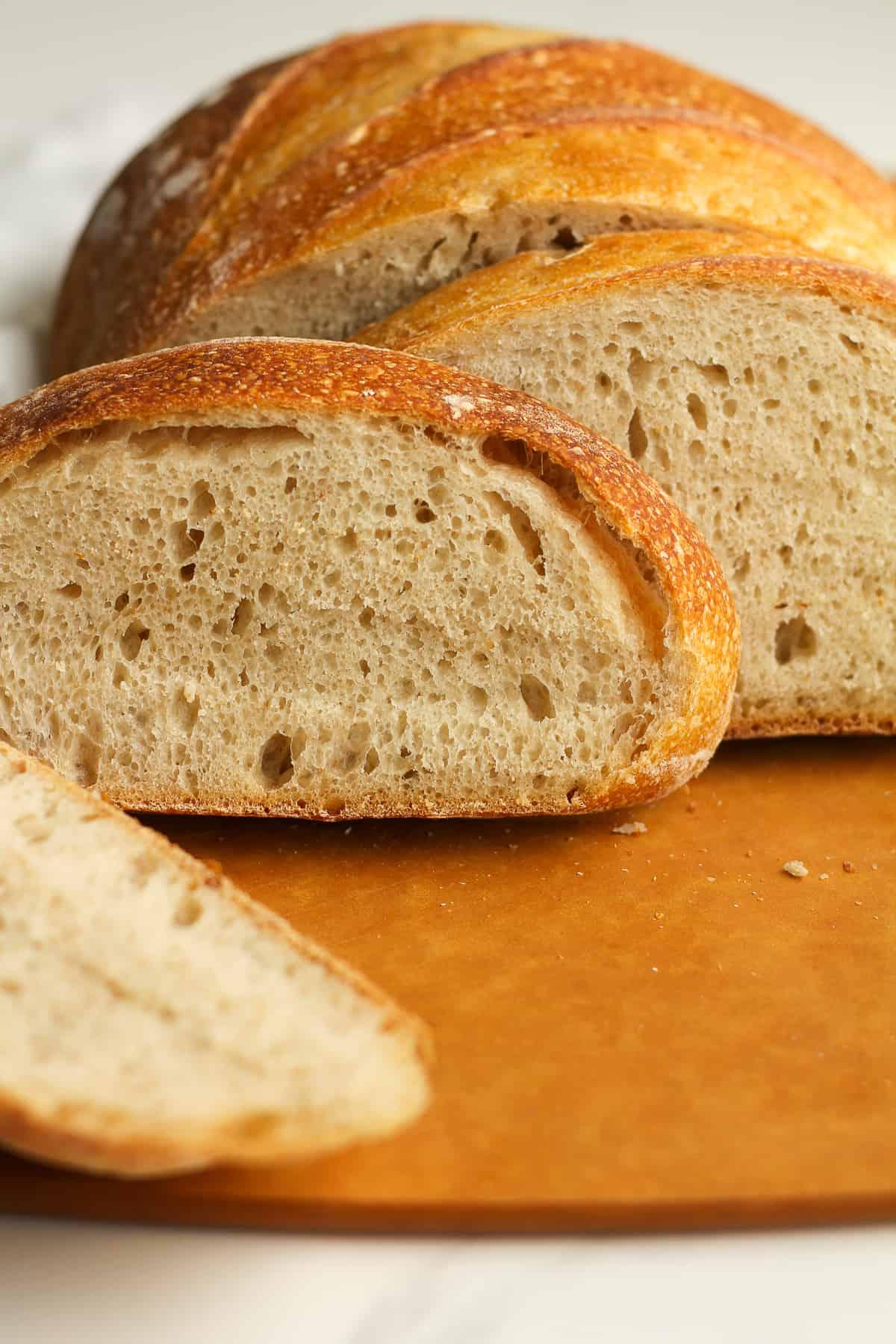 Side closeup shot of sliced bread.