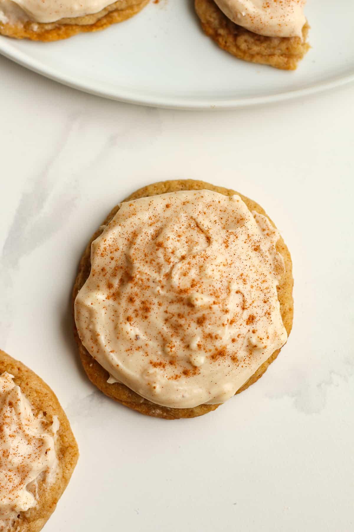 One pumpkin spice cookie.